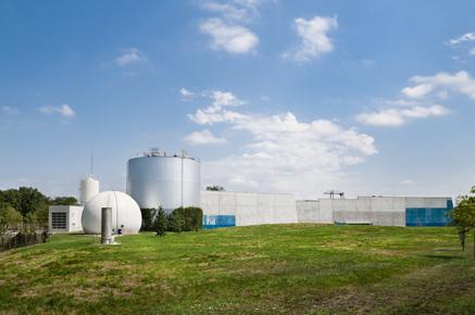 Après cinq succès importants (de Chamonix à Royan), SOURCES implante à Bordeaux une délégation régionale pour la réalisation des marchés des usines de Sabarèges (90 000 EQ/Hb) et de Cantinolle (70 000 EQ/Hb), obtenues conjointement avec WABAG.